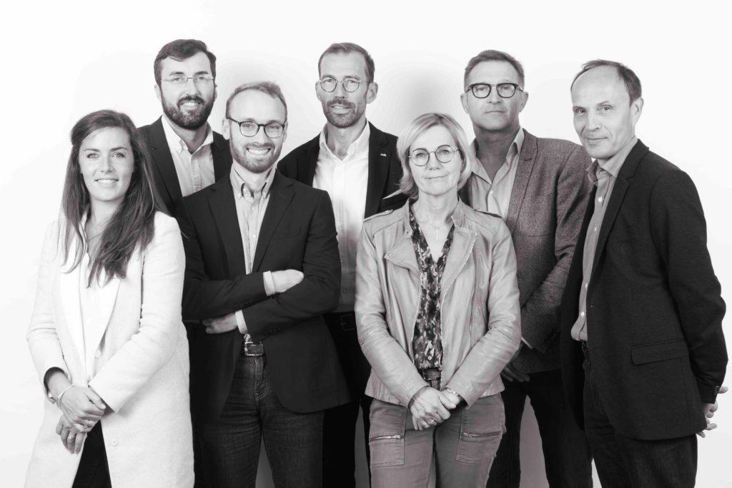 Les 7 associés de la SELARL Bretagne Huissiers implantés à Saint-Malo, Dinan et Saint-Brieuc : Maîtres Frédérique Balcou - Thomas Boucherit - Nicole Rouzic-Tabard - Frédéric Goudier - Tanguy Rouault - Yann Le Drogoff - Armand Bertand